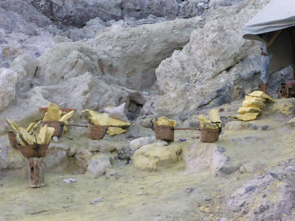 Sulphur baskets at Kawah Ijen